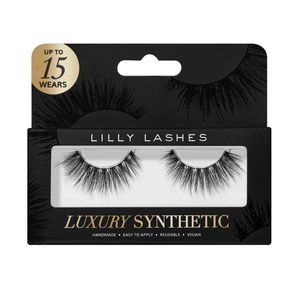 Lilly Lashes in POSH